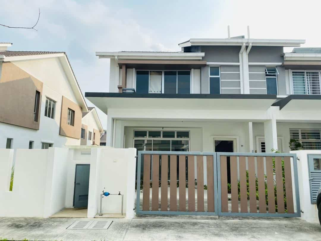 FOR SALE: Teres 2 Tingkat End Lot, Serene Height